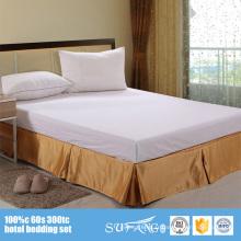 Tissus décoratifs de haute qualité d'hôtel cinq plis 5 étoiles hôtel 100% hôtel de polyester ajusté jupe de lit