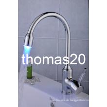 LED Wasserkraft Küchenarmatur / Mischbatterie Qh114f