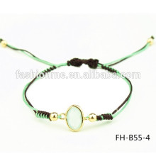 simple un brazalete de piedra jade