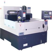 Máquina de gravura CNC para processamento de vidro móvel com certificação Ce (RCG860S)
