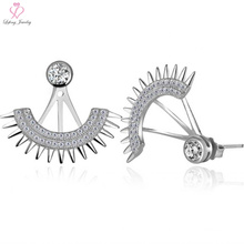 Fashionable 925 Sterling Silver Fan Shaped Stud Earrings with Diamond