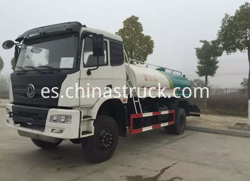 Dongfeng 4x4 AWD 8000 liters water truck