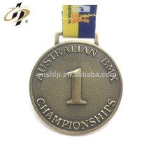 Cintre de médaille antique 3D en métal sport zamac or