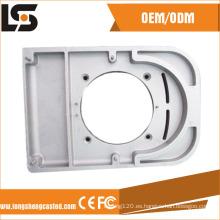 El diseño modificado para requisitos particulares CNC del dibujo de aluminio a presión la fundición con las piezas de anodización / el bastidor de la aleación de aluminio