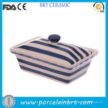 Plato de mantequilla de tiras azul marino y blanco con cubierta