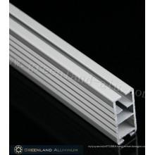 Rail inférieur en aluminium de forme carrée de style lourd