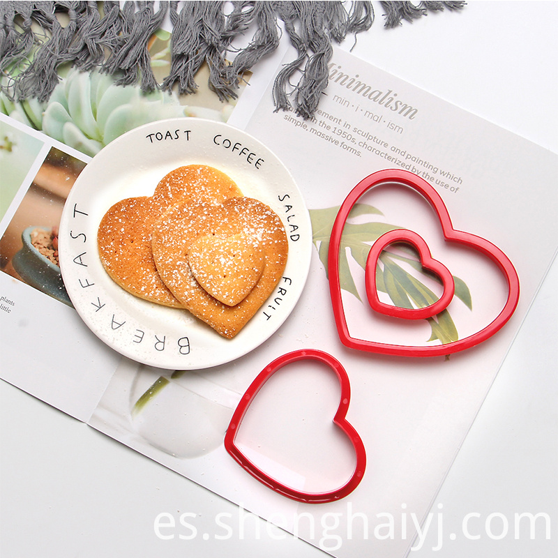 plastic sandwich mold cookie cutter