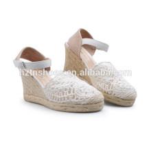 2015 conception de printemps paille de chanvre welting femme jolies sandales à cale Fournisseurs