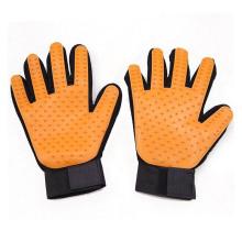 Venta caliente cinco dedos herramienta de cepillo de baño para mascotas Guante de aseo de silicona amarilla, perro removedor de pelo guante