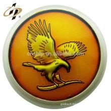 Épinglette personnalisée de logo d'aigle en relief 3D en alliage de zinc bronze antique