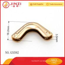 Aleación ligera del cinc del metal ligero de la manera del oro de las esquinas del bolso