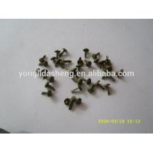 Fabrication en usine de goupille en métal décoratif