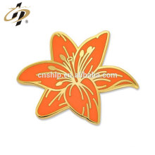 Fabricante a granel China metal personalizado Tiger Lily Flower Pin