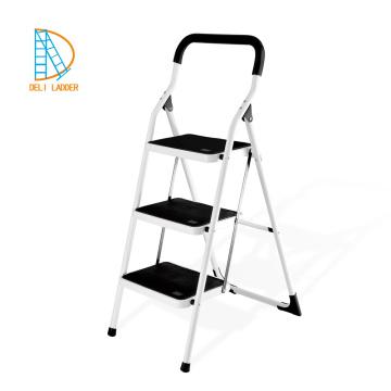 стальная стремянка используется металлическая лестница с ручкой