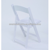 wedding using white padded resin folding chair plastic chair
