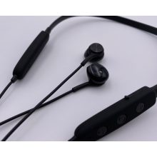 Noise Cancelling Bluetooth Earphone for Workout