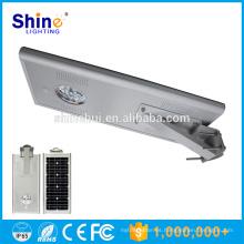 La venta caliente todo en una inducción 15W llevó la iluminación solar del estacionamiento de coche