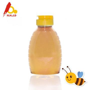 Miel d'acacia sur la peau