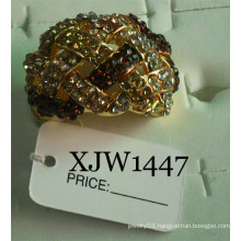 Diamond Ring/Fashion Ring/Ring Jewelry (XJW1447)