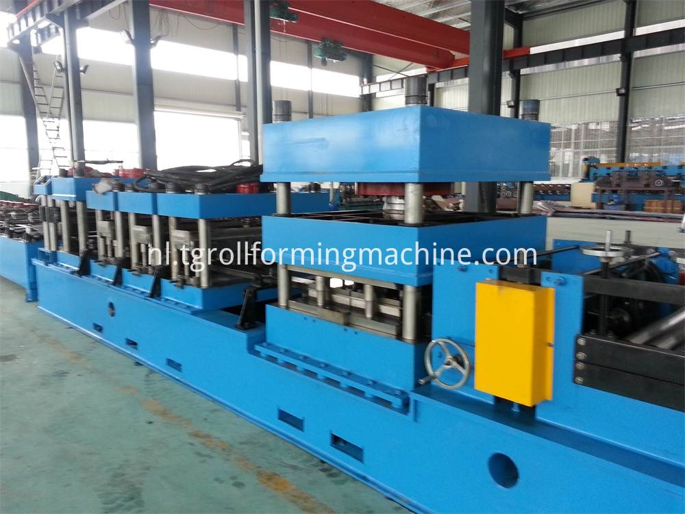 Wave Highway Guardrail Forming Machine