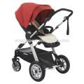 Carrinho de bebê com assento de carro