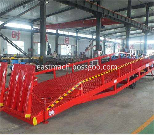 Warehouse Hydraulic Forklift Movable Container Ramp