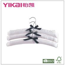 Set von 3pcs reinen weißen Satin gepolsterten Kleiderbügel