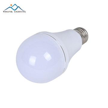 Le lumen élevé en plastique en aluminium E27 d'urgence rechargeable a mené l'ampoule 14w