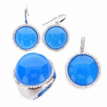 Fashionable Jewelry Set with Machine Cut CZ and High-quality Rhodium Plating