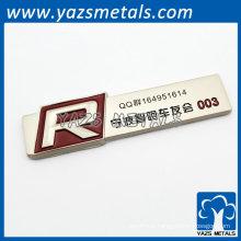 placa de nome metálico para membros do clube de bicicleta