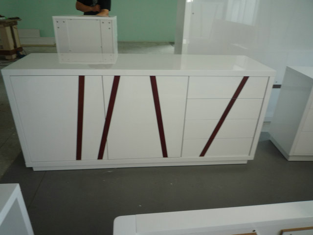 White lacquer cupboard