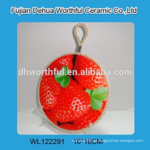 Heißer Verkauf keramischer Topfhalter mit Erdbeerentwurf