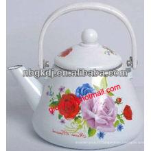bouilloire à thé en émail avec poignée en bakélite et bouton