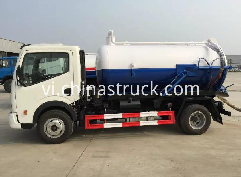 Dongfeng 5000 liters waste water truck