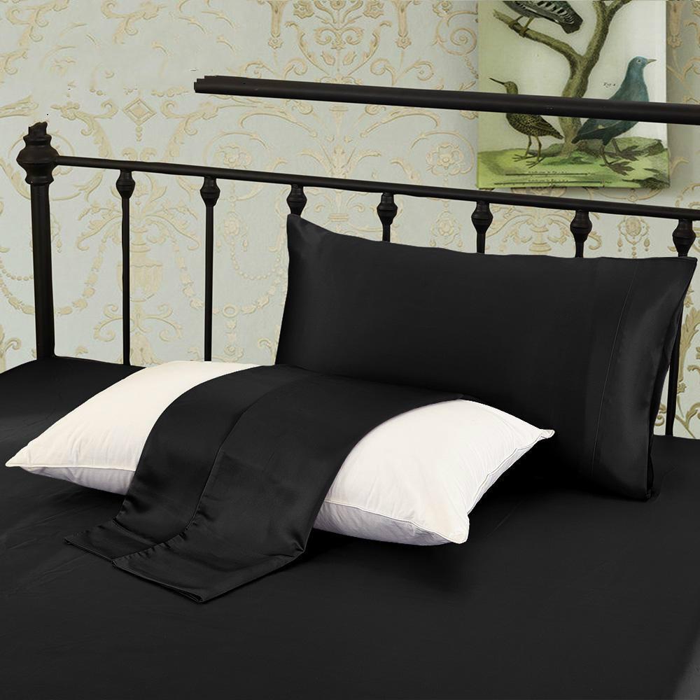 Black4 Pillowcase