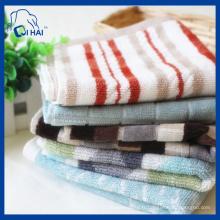 Serviette carrée en coton teintée en fil de coton