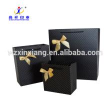 Personnalisé! Chine Usine 250gsm Papier Couché Bowknot Couleur Imprimer Papier Cadeau Sac