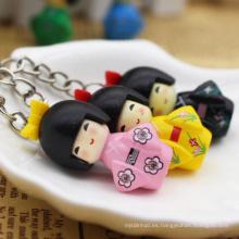 llavero de madera del coche de la muñeca japonesa