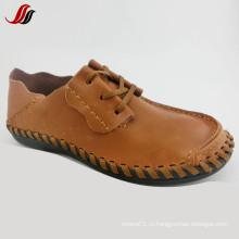 Самые новые ботинки способа человека вскользь кожаные ботинки