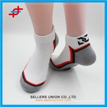 2015 летних мужчин лодыжки хлопка красочный спортивный причинный носок для оптовой