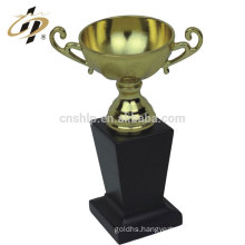 2017 Factory Wholesale Wood base sport metal soccer trophy award with box