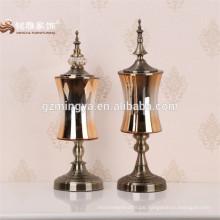 Chinesische Herstellung Großhandel verschiedenen geformten Garten Hochzeit Hausdekoration Gold hohen Zylinder Glas Wohnkultur