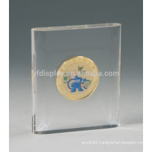 clear acrylic solid block photo frame embedment with flags shape