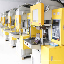 C-Type Vertical Injection Moulding Machine for UK Plug