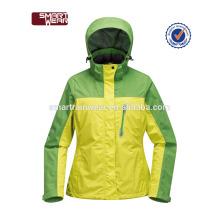 Soem kundenspezifische windundurchlässige dauerhafte wasserdichte leere taktische Winter-Jacke für Frauen