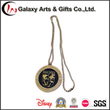 Fabricantes de Pin de solapa China Logotipo de signo personalizado con Cadena