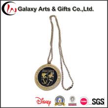Logotipo feito sob encomenda do sinal de China dos fabricantes do Pin da lapela com corrente