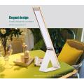 2017 élégante lampe de bureau en métal de conceptions élégantes avec le cou flexible de tuyau