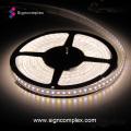 Tira do diodo emissor de luz de 5050 RGBW, luz exterior da decoração do Natal impermeável do diodo emissor de luz IP65