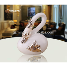 Wholesale resin figurine door welcome animal statue popular swan shape figurine